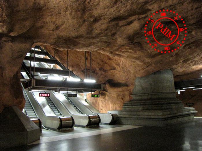 Być może najbardziej niesamowite metro na świecie jest w Sztokholmie