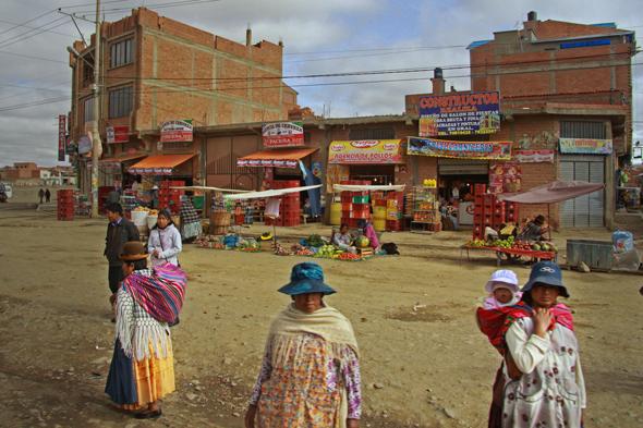 Dalekie przedmieścia La Paz.