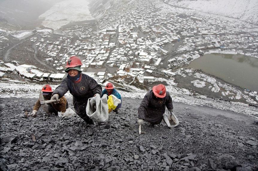 La Rinconada. Niemal każdy mieszkaniec miasta trudni się poszukiwaniem złota. Źródło: sometimesinteresting.com