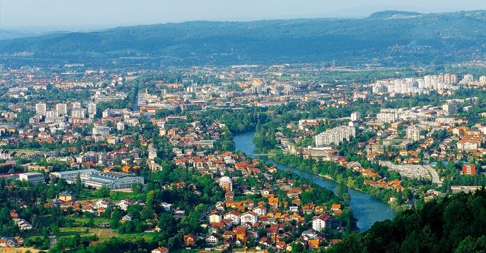 Panorama Banja Luki. Źródło: fortuna.ba